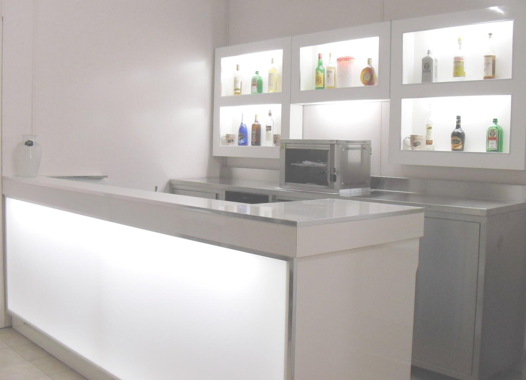 Banchi frigo dal 1980 produttori di banchi frigo for Usato bancone bar