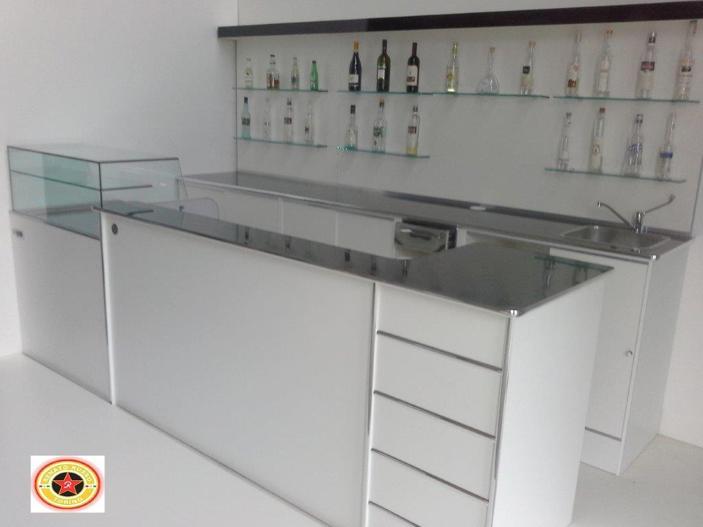 Banchi frigo dal 1980 produttori di banchi frigo for Banchi bar e arredamenti completi