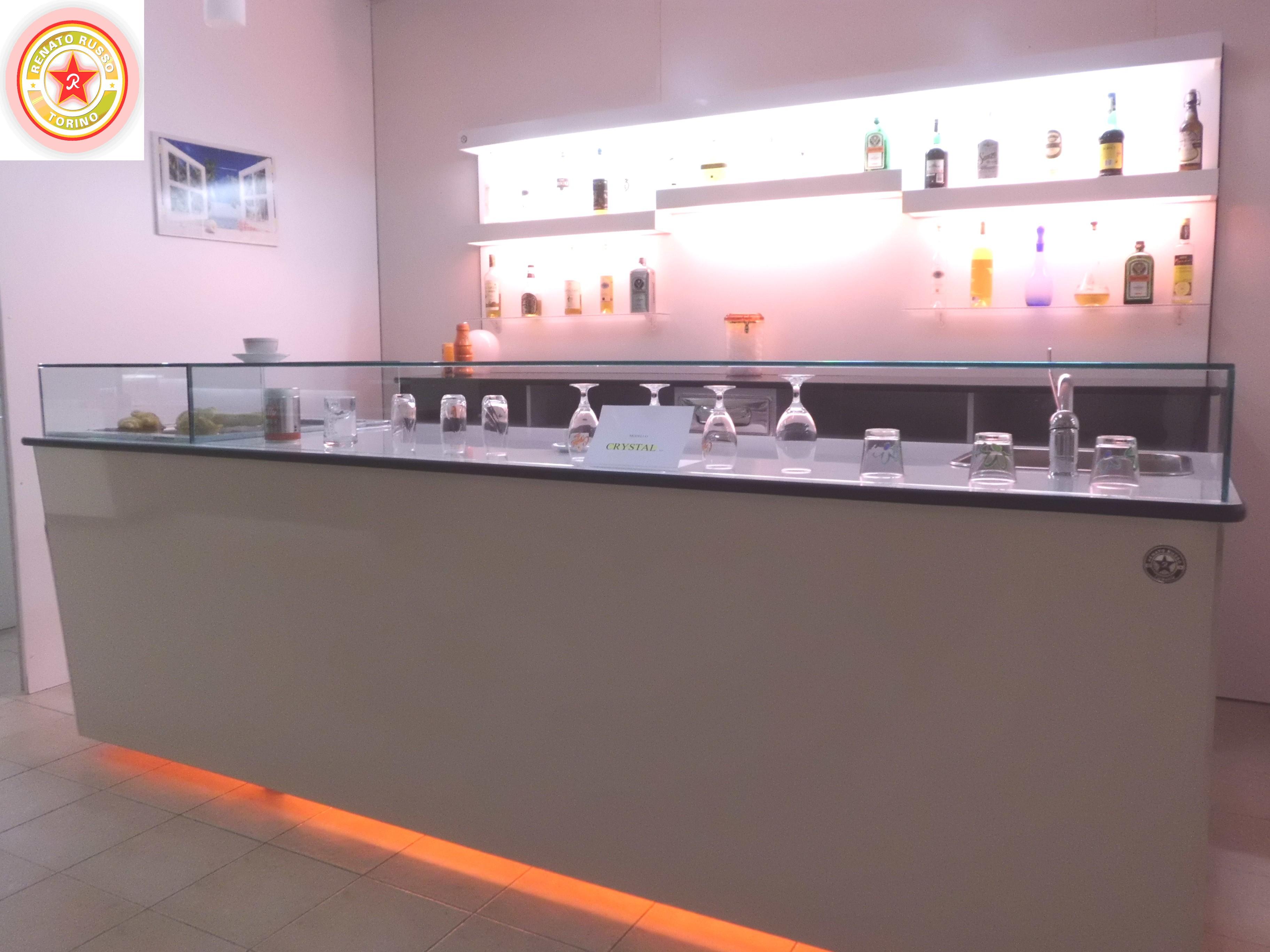 banco bar crystal, un banco bar di ultima generazione, un bancone bar ...