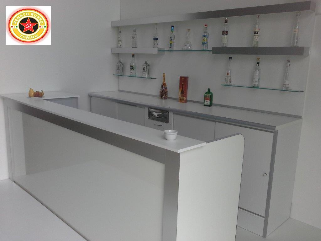 Banchi frigo dal 1980 produttori di banchi frigo for Produttori tavoli